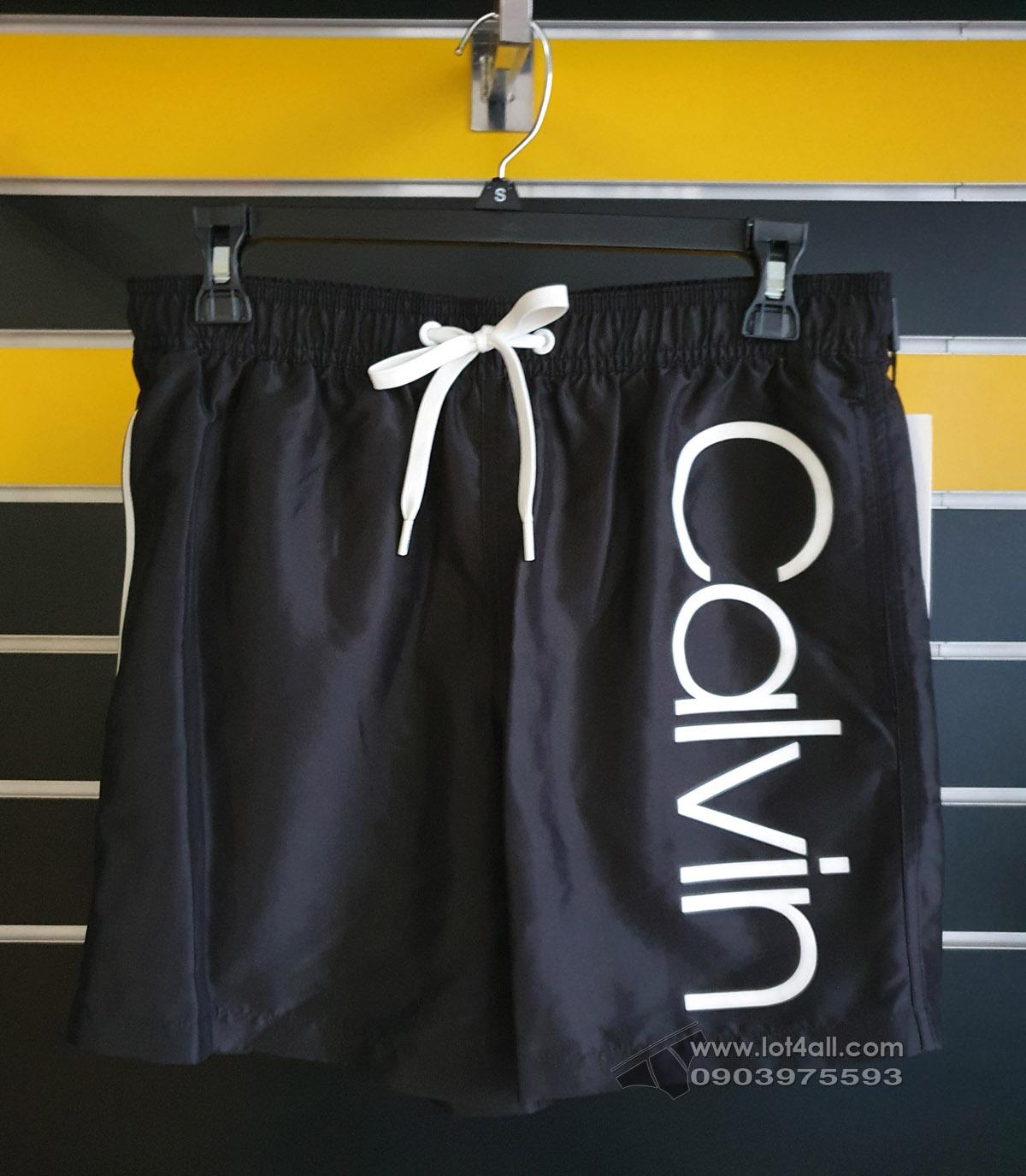"""Quần đi biển Calvin Klein Solid Logo 5.5"""" Volley Short Black"""