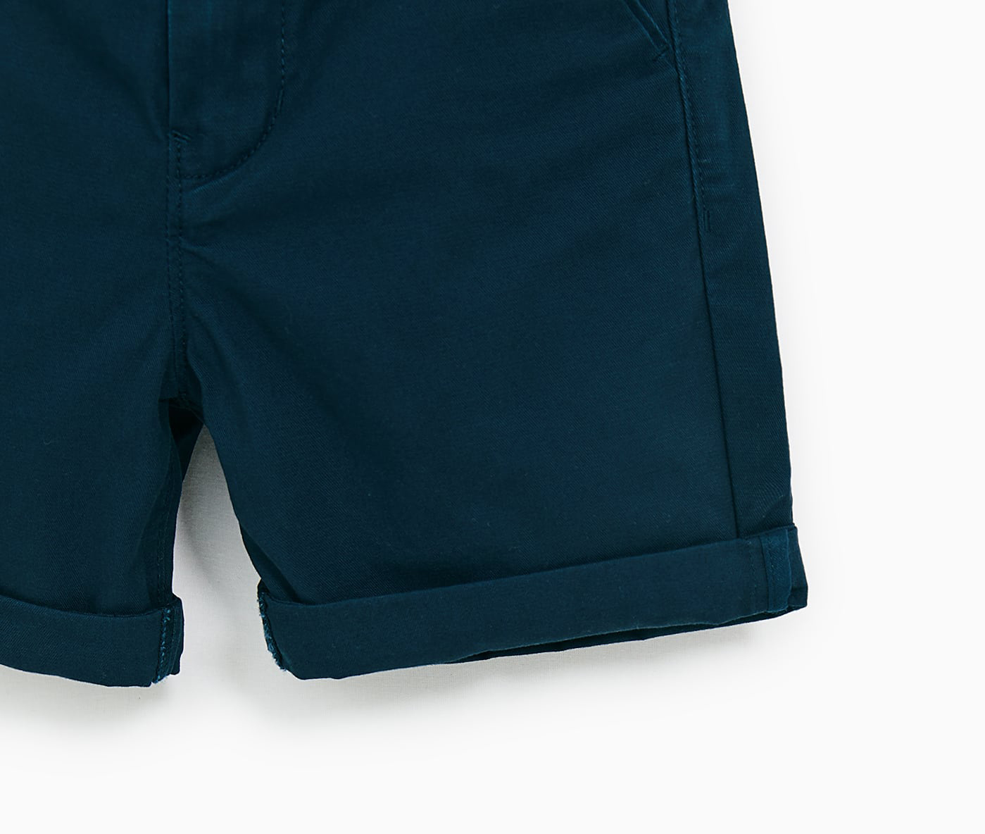 Quần short bé trai hiệu Zara - 4745660401