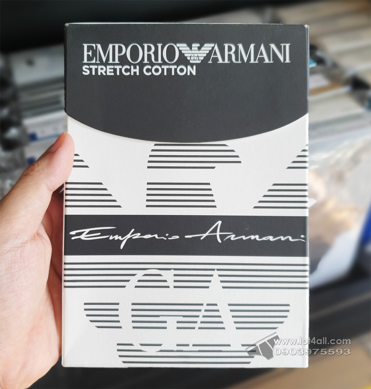 Quần lót nam Emporio Armani Organic Cotton Logo Signature Trunk Black